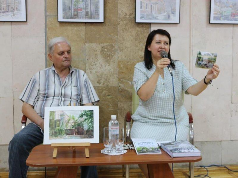 В библиотеке Николаева открылась персональная выставка акварелей Сергея Лунева «Трамвайчик по Потемкинской» (ФОТО)