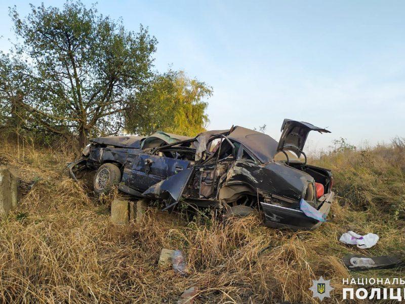 На Николаевщине перевернулся Opel – один человек погиб и еще один получил травмы (ФОТО)