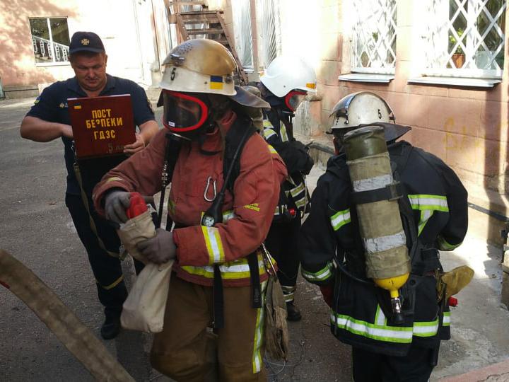 Спасатели проверили учения в Корабельном районе на месте будущего избирательного участка (ФОТО)