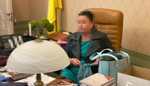 Глава Харьковского окружного админсуда попалась на передаче взятки в $3000 (ФОТО)