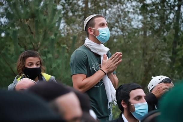 Сотни хасидов остаются на границе Беларуси и Украины