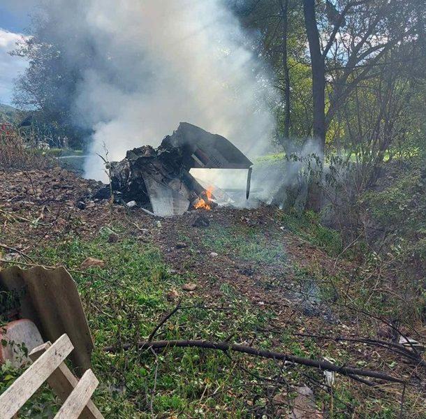 В Сербии истребитель МиГ-21 упал во дворе дома (ВИДЕО)