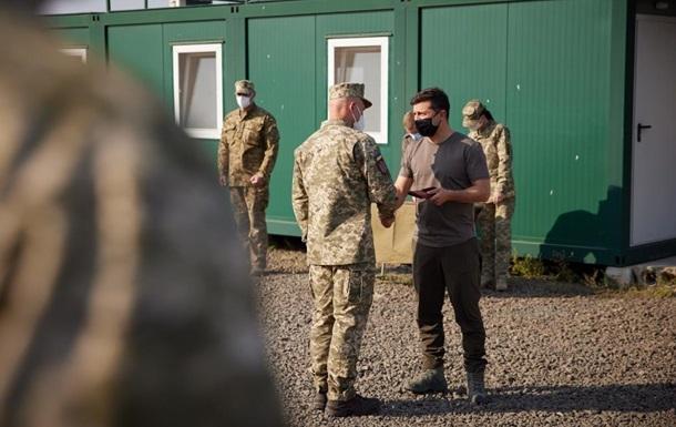Зеленский посетил лагерь разведки на Донбассе