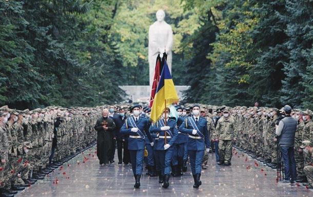 В Харькове прощаются с погибшим в авиакатастрофе Ан-26 курсантом (ФОТО)