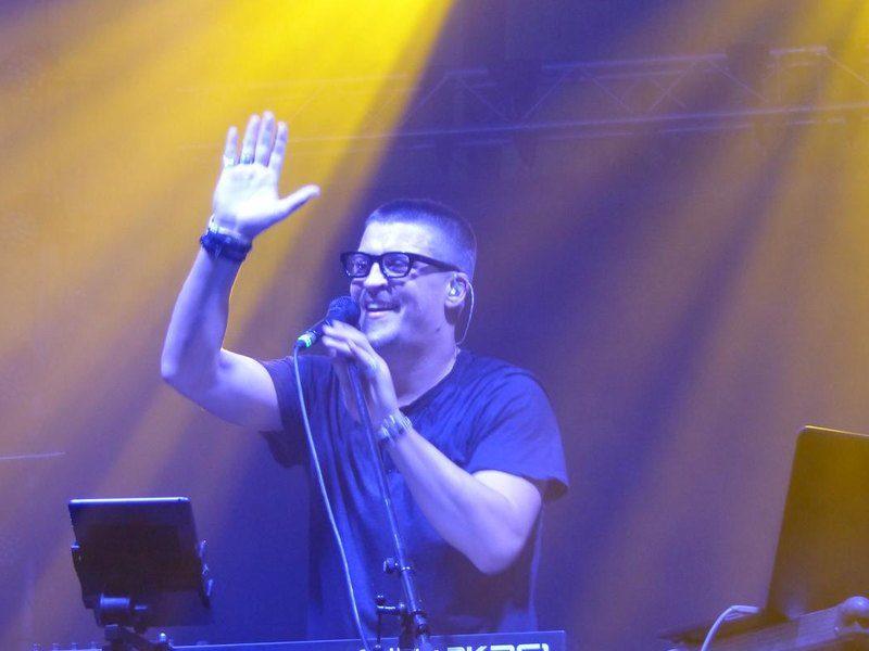На фестивале традиционных ценностей «Скрепа» в РФ музыкант выступил в поддержку ЛГБТ (ВИДЕО)