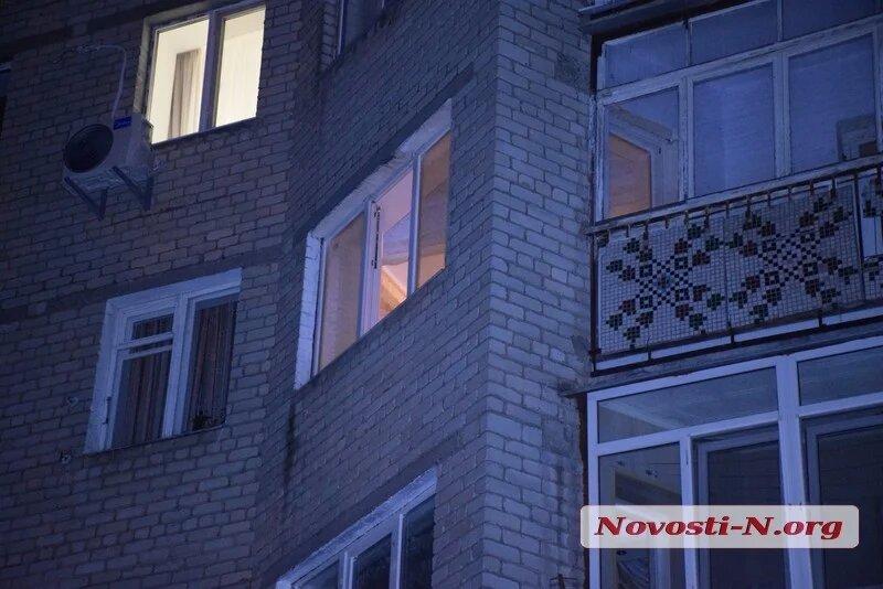 Пенсионерка выпала из окна в центре Николаева (ФОТО) 5