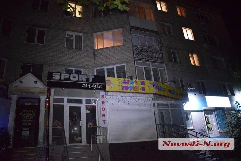 Пенсионерка выпала из окна в центре Николаева (ФОТО) 7