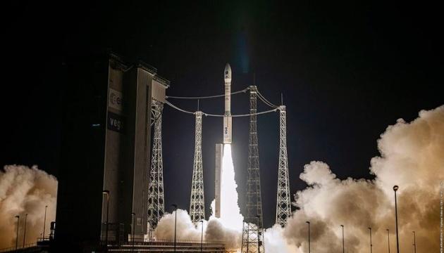 Изготовленная при участии Украины ракета Vega вывела на орбиту десятки спутников (ВИДЕО)