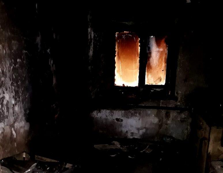 В Николаеве на пожаре удалось спасти женщину, а в Первомайске мужчина погиб (ФОТО, ВИДЕО)