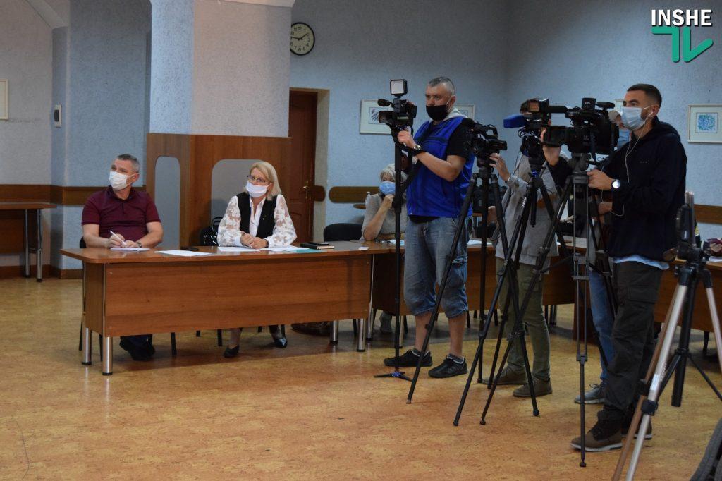 Пенсионный фонд представил николаевцам новые сервисы – «Электронную трудовую книжку» и «Пенсионный калькулятор» (ФОТО, ВИДЕО) 5