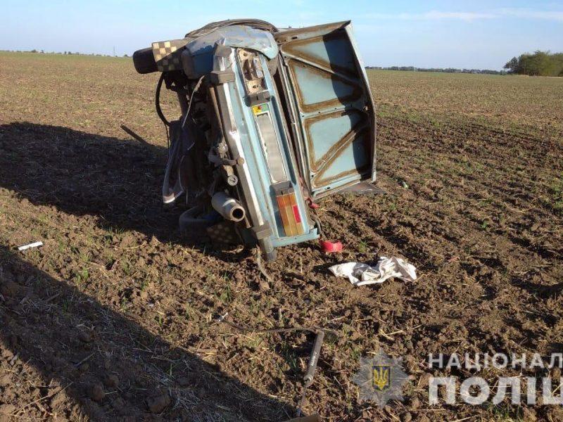 На Николаевщине перекинулся ВАЗ, водитель погиб