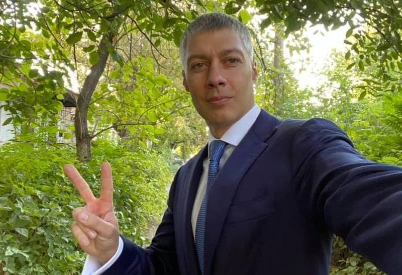 О пользе грамотного канцеляриста, или как Артем Ильюк пытается баллотироваться в мэры Николаева от несуществующей партии