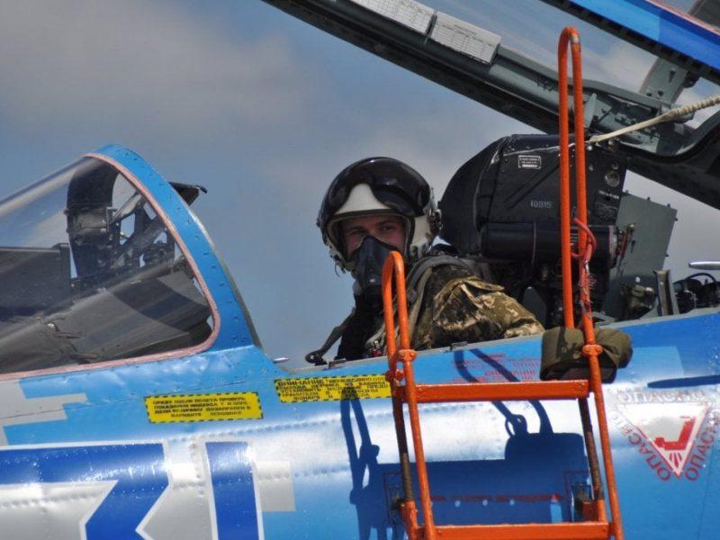 Военных летчиков, прослуживших по контракту менее 10 лет, заставят возвращать деньги за обучение