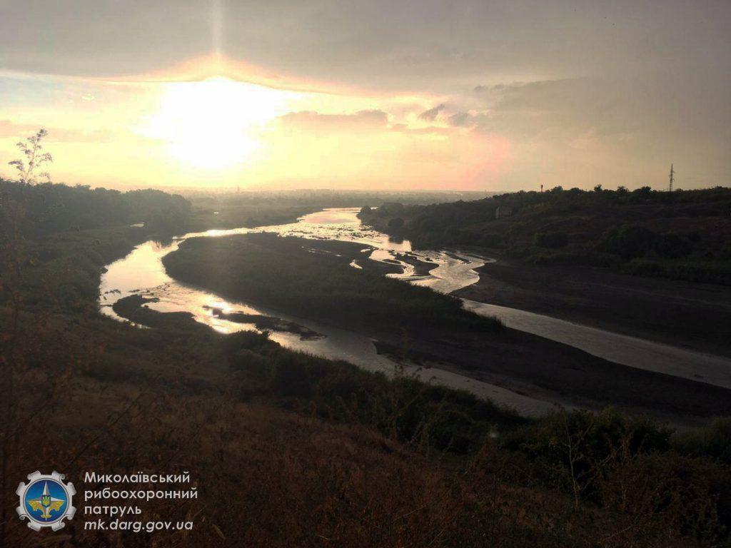 Катастрофа. Из-за ремонта Первомайской ГЭС погибли миллионы рыб, город остался без воды (ФОТО, ВИДЕО) 1