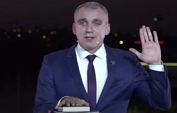 Доход семьи Сенкевича в прошлом году превысил 5 млн.грн., — декларация