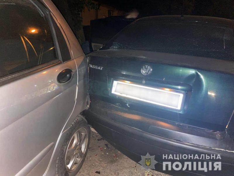 В Николаеве воры, пытаясь сбежать от полиции, повредили четыре припаркованных авто (ФОТО)
