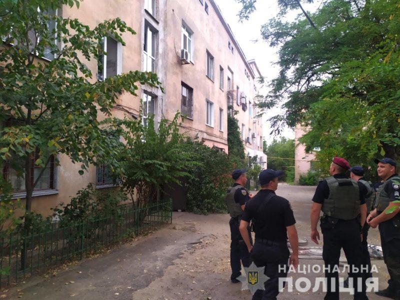 В Николаеве неадекват грозил взорвать многоквартирный дом вместе со своей матерью (ФОТО)