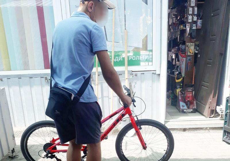 В Николаеве оперативники разыскали серийного велосипедного вора, который попал на камеры видеонаблюдения во время преступления (ФОТО, ВИДЕО)