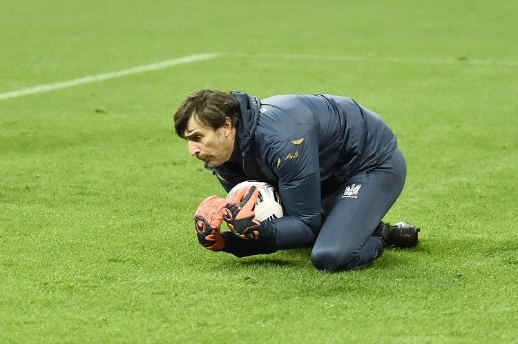 После эпидемии с вратарями Шевченко заявил на матч со сборной Франции 45-летнего Шовковского