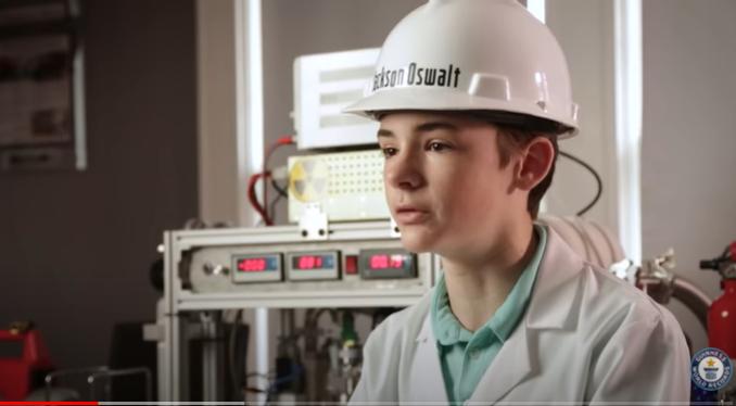 12-летний мальчик собрал дома действующий ядерный реактор (ВИДЕО)