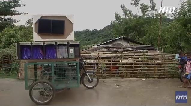 Моторикша: филиппинские учителя нашли выход, как детям получать знания на «дистанционке» при отсутствии интернета (ВИДЕО)
