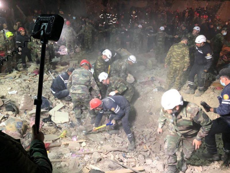 В жилые кварталы одного из крупнейших городов Азербайджана попали две ракеты: 12 человек погибли и более 40 ранены (ФОТО, ВИДЕО)