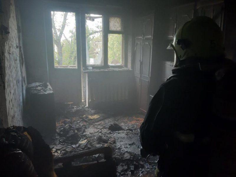 Из-за непотушенной сигареты горела квартира в Николаеве (ФОТО)