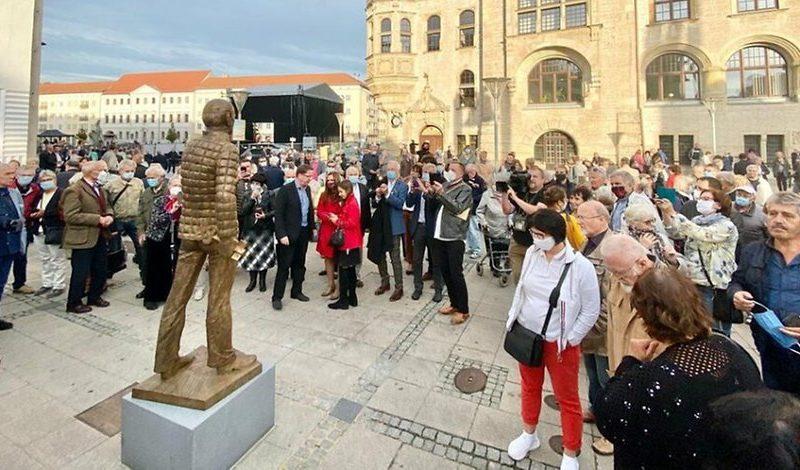 В Германии открыли памятник Михаилу Горбачеву (ФОТО)