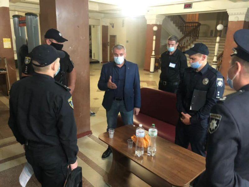 «Пропавшая грамота»: кандидат в мэры Николаева обратился в полицию по поводу пропавших в горизбиркоме документов, а чуть позже они нашлись