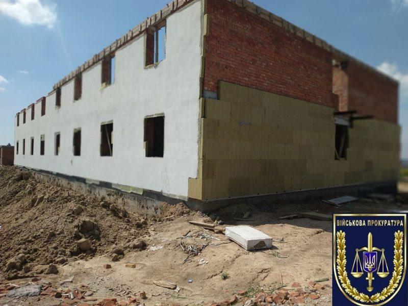 С подрядчика, строившего казарму в Николаеве, взыщут 6,4 млн.грн.