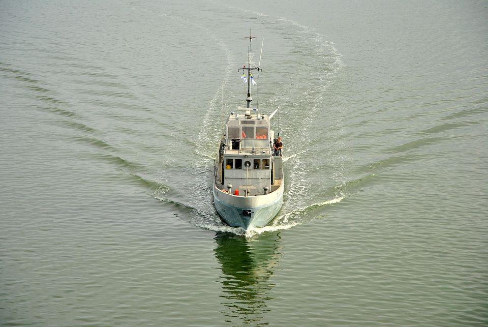 Николаевский судостроительный завод на месяц раньше срока завершил ремонт противодиверсионного катера ВМС (ФОТО) 1