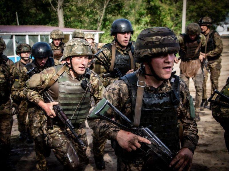 Николаевские морпехи прошли полосу препятствий перед Клятвой морского пехотинца (ФОТО)