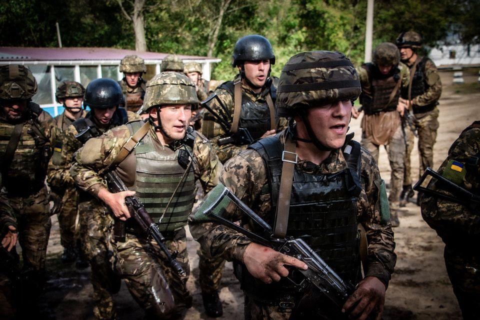Николаевские морпехи прошли полосу препятствий перед Клятвой морского пехотинца (ФОТО) 1