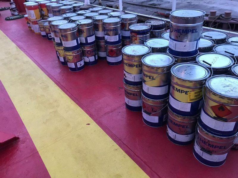 На судне, уходившем из порта Николаева, таможенники нашли незадекларированную краску на 900 тыс.грн. (ФОТО)