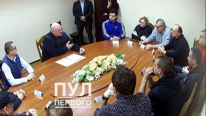 Из камер – под видеокамеры: белорусские политзаключенные встретились с Лукашенко