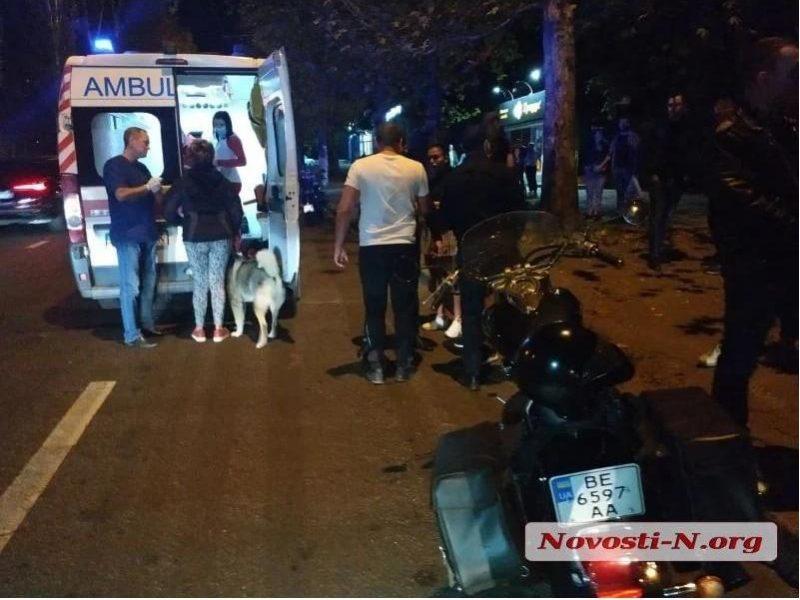 В Николаеве на пешеходном переходе сбили мужчину с собакой (ВИДЕО)