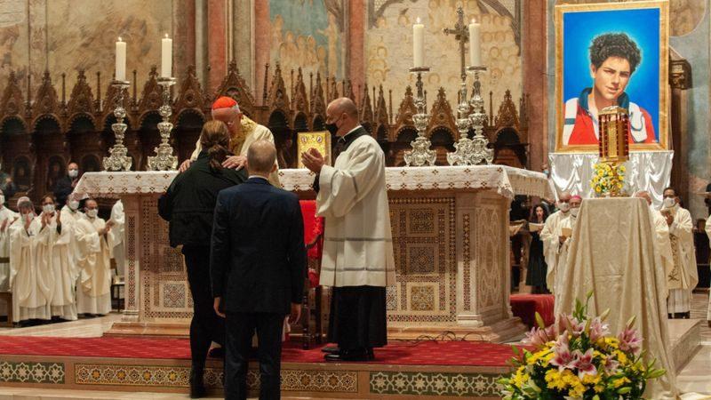 """Итальянский подросток может стать первым католическим святым из поколения """"миллениалов"""""""