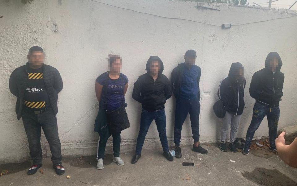 Карманники пытались купить протекцию начальника полиции вокзала Киева (ФОТО, ВИДЕО) 1