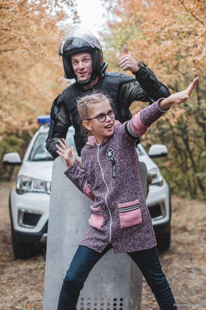 Овчарка Амур, «солнечные дети» и николаевские нацгвардейцы снялись в социальном фотопроекте «Храбрые сердца» (ФОТО) 11
