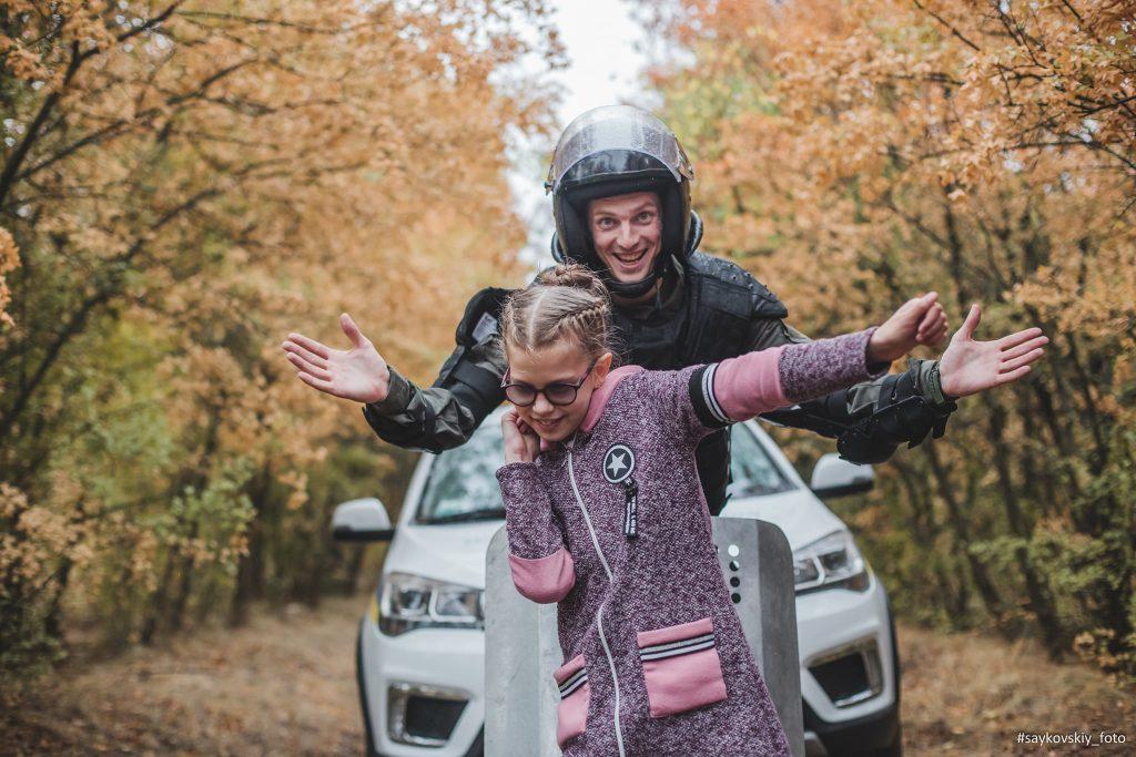 Овчарка Амур, «солнечные дети» и николаевские нацгвардейцы снялись в социальном фотопроекте «Храбрые сердца» (ФОТО) 15