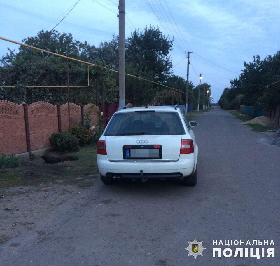 На Николаевщине задержали мужчину, который пытался рассчитаться за покупку автомобиля фальшивыми деньгами, но был уличен владельцем (ФОТО, ВИДЕО) 5