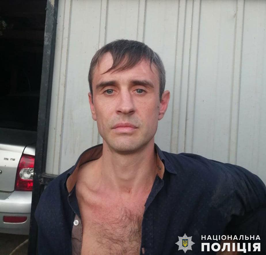 На Николаевщине задержали мужчину, который пытался рассчитаться за покупку автомобиля фальшивыми деньгами, но был уличен владельцем (ФОТО, ВИДЕО) 1