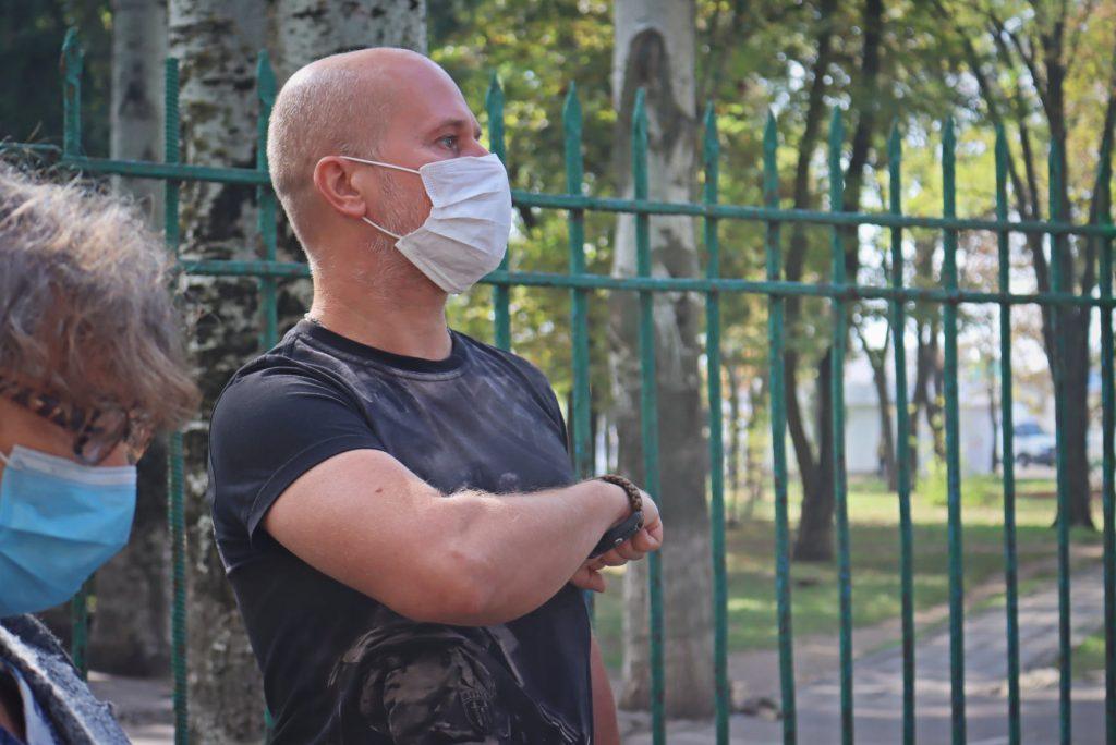 На николаевской школе №14 открыли мемориальную доску погибшему на Донбассе защитнику Роману Климову (ФОТО) 9