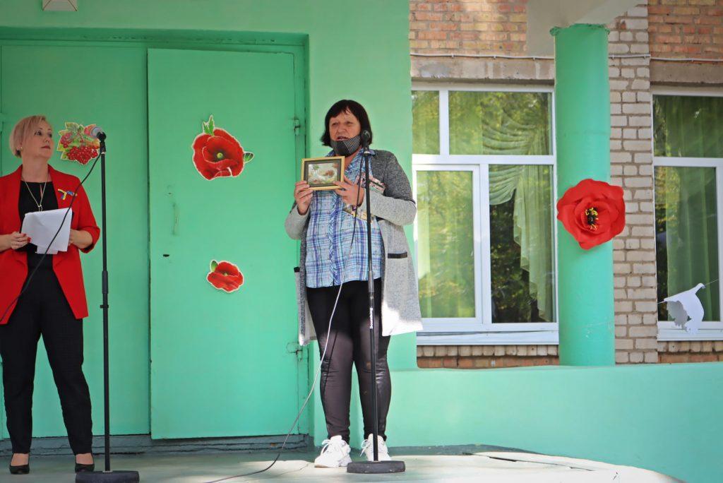 На николаевской школе №14 открыли мемориальную доску погибшему на Донбассе защитнику Роману Климову (ФОТО) 13