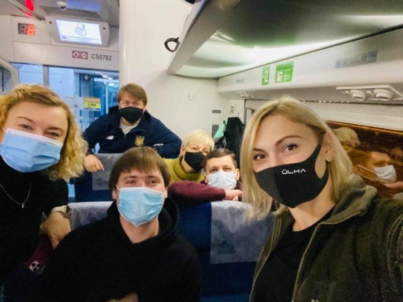 Половина «слуг народа» не отправились в поездку на Донбасс, анонсированную Зеленским (ВИДЕО)