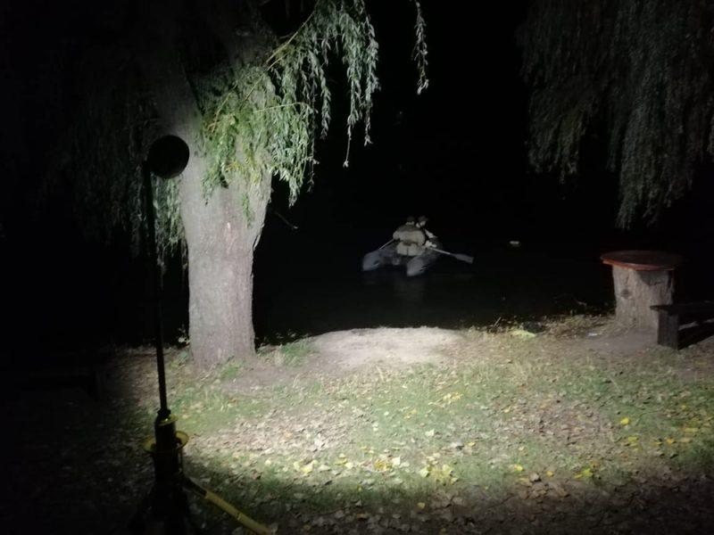 В Первомайске из озера достали тело женщины (ФОТО)