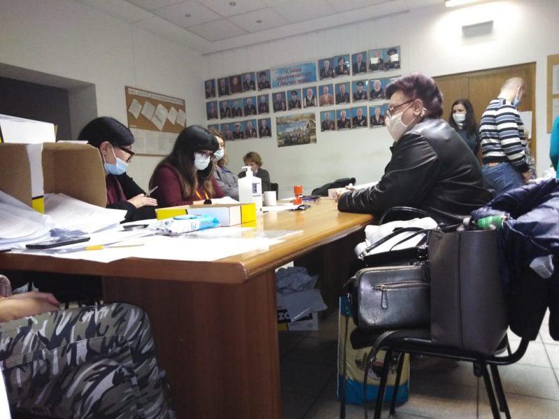Центральная районная в городе Николаеве ТИК будет пересчитывать бюллетени 16 участковых комиссий