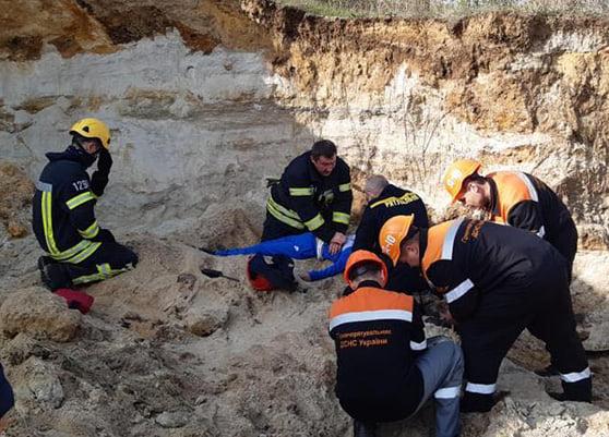 В Николаеве мальчик погиб под песчаным завалом (ФОТО)