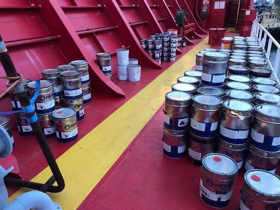 На судне, уходившем из порта Николаева, таможенники нашли незадекларированную краску на 900 тыс.грн. (ФОТО) 3