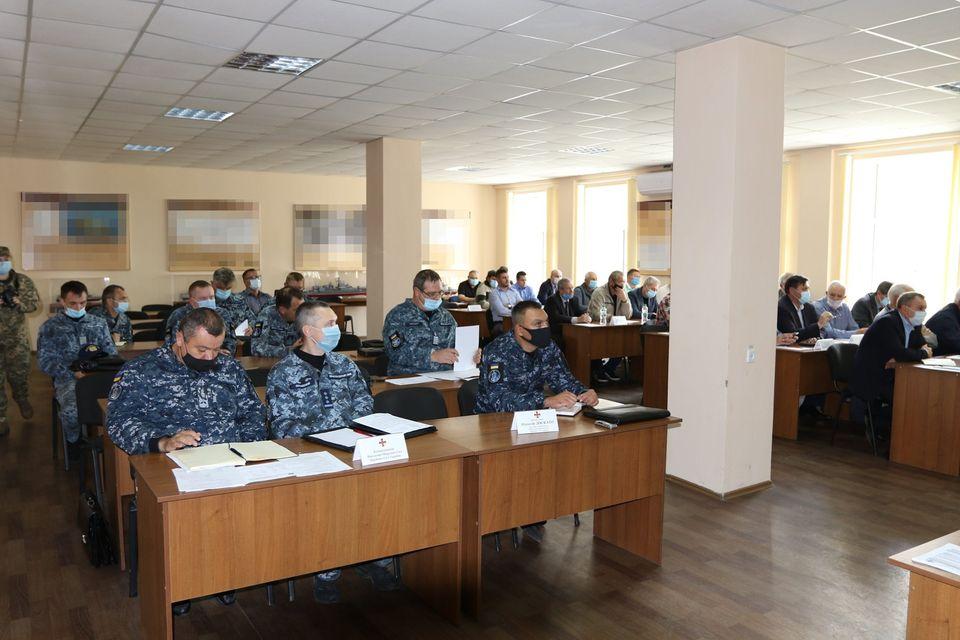«С завода должна выйти боевая единица, способная выполнять боевую задачу» - командующий ВМС в Николаеве (ФОТО) 5